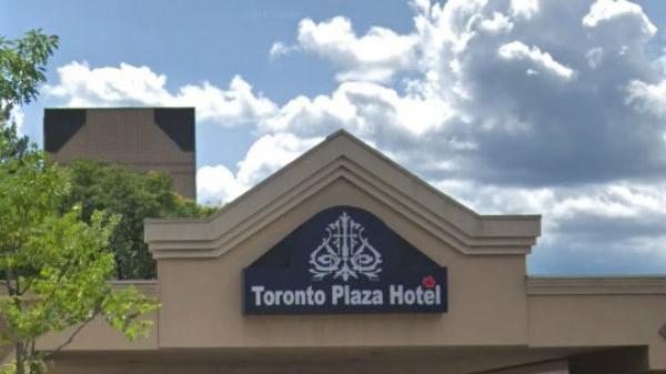 Торонто не будет покупать отель с беженцами и для беженцев