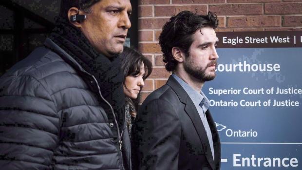 Виновному в гибели четырех человек водителю отказано в условно-досрочном освобождении