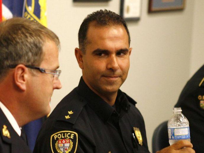 Полиция Оттавы отказывает в продвижении по службе «видимым меньшинствам»?