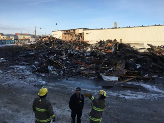 Пожар супермаркета на севере Канады: арестованы подозреваемые в поджоге
