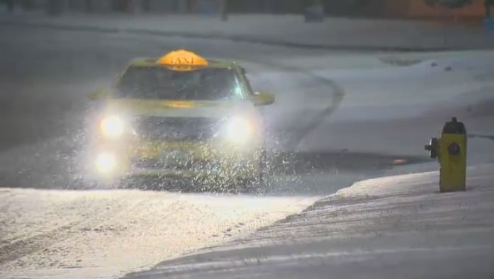 Большой Торонто: первый день зимы в ноябре. Снегопад