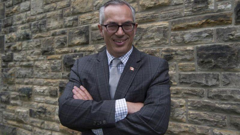 Секстинг в канадском парламенте: депутат посыпает голову пеплом