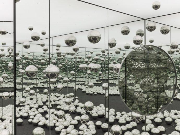 Канадский музей купит сумасшедшие зеркала японки Кусама