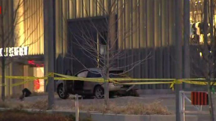 Полиция протаранила Porsche подозреваемых