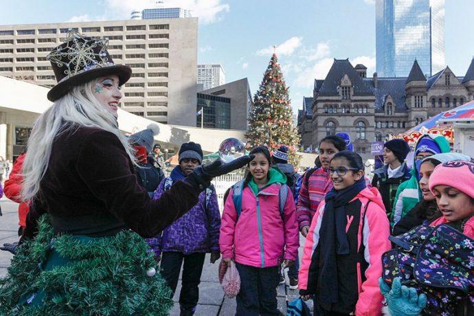 Торонто: Рождество на месяц. Что и где