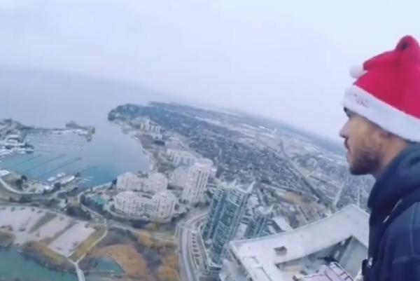 Полиция считает хулиганством прыжок бейсжампера в Торонто
