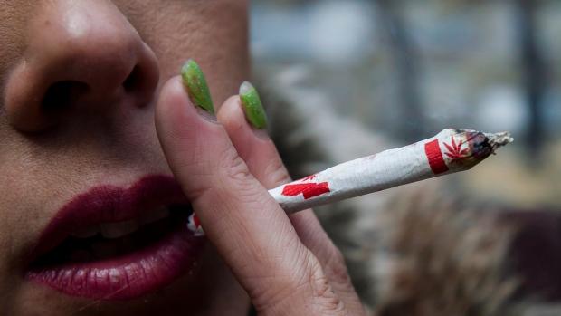 Два месяца со дня легализации марихуаны в Канаде. Полет нормальный?