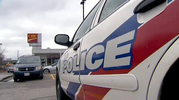 Три ограбления банков на востоке Торонто в Скарборо