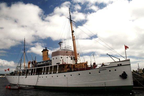 Историческое судно, пережившее знаменитый взрыв в Галифаксе