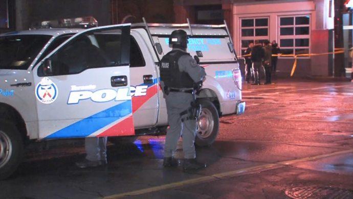 Женщина получила пулевые ранения в центре Торонто
