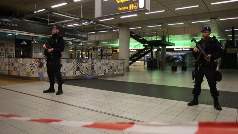 Канадец угрожал взорвать бомбу в аэропорту Амстердама