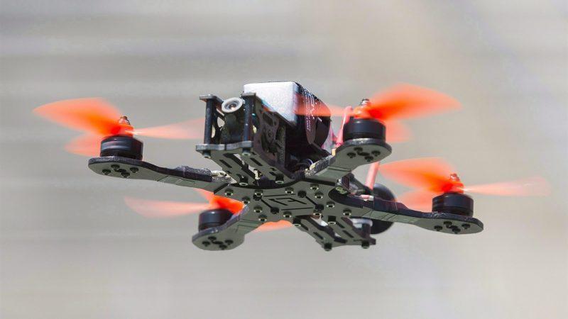 Новые канадские правила пилотирования беспилотников