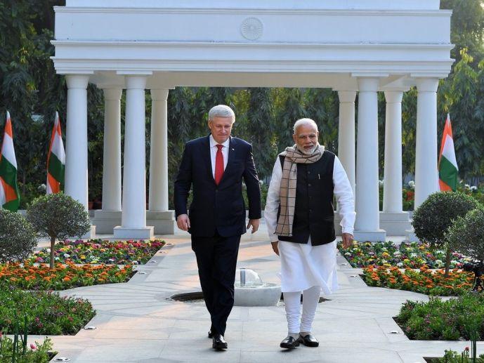 Стивен Харпер во время визита в Индию одевался в классический костюм