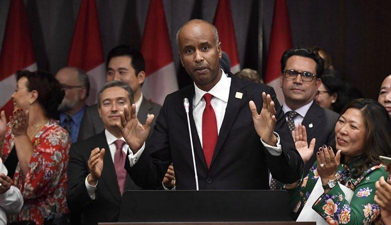 Правительство Канады отпускает средства на помощь иммигрантам до их приезда