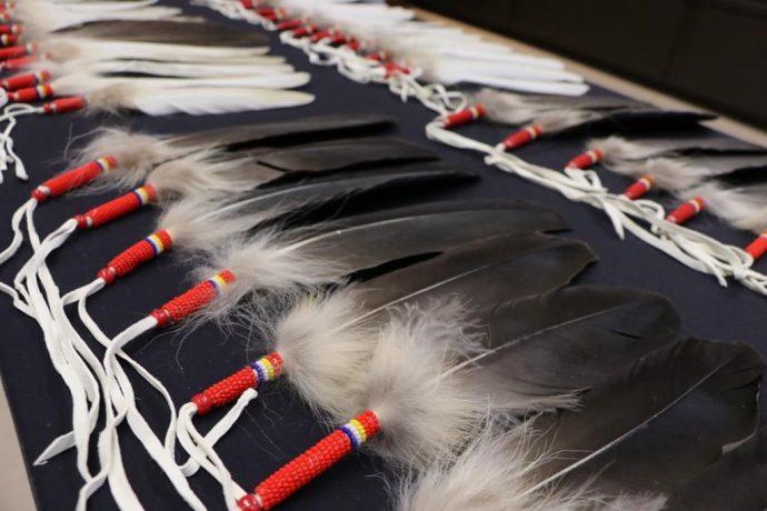 Канадская Королевская Конная Полиция: клятва на индейских перьях