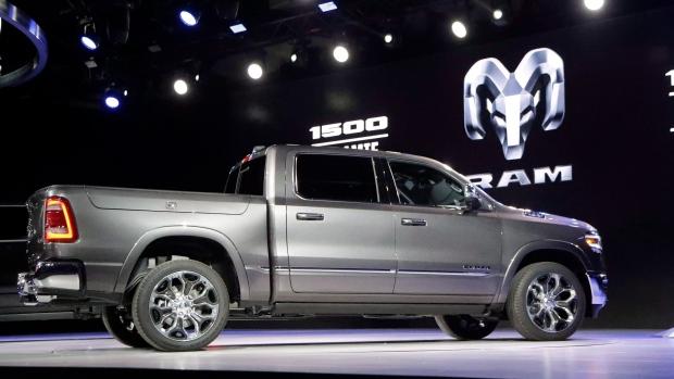 Chrysler отзывает 182 000 пикапов на ремонт