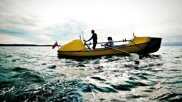 Британский канадец с дочерью совершают необычайный океанский переход