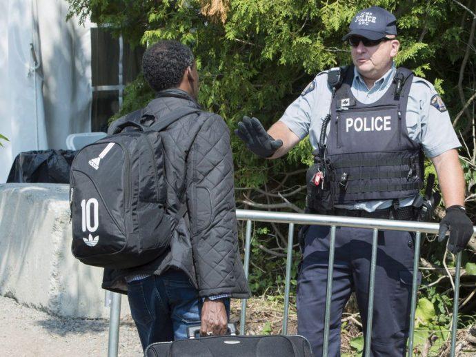Отпущенных Оттавой средств не хватает для уменьшения очереди из беженцев