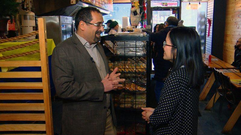 Монреальский ресторан кормит бедных бесплатно