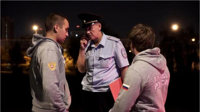 Канадский журналист: в России стали меньше пить