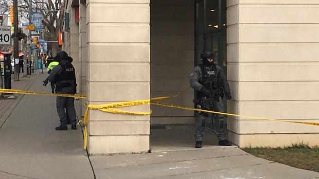 Стрельба в Торонто: двое ранены, двое арестованы