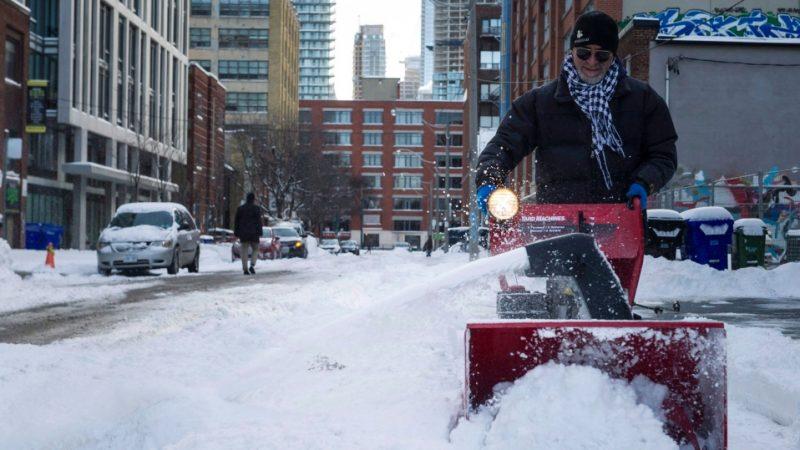 В Большом Торонто за сутки— более 350 автомобильных аварий