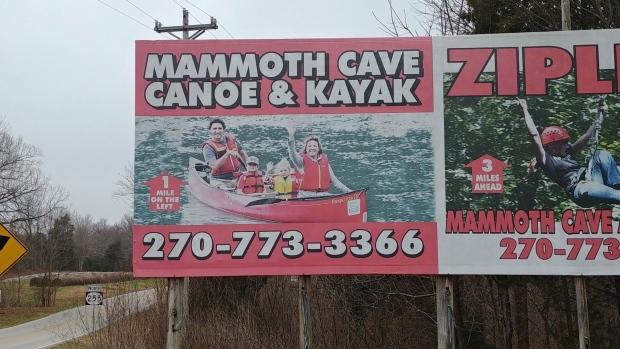 Канадский премьер приветствует туристов с билборда в Кентукки