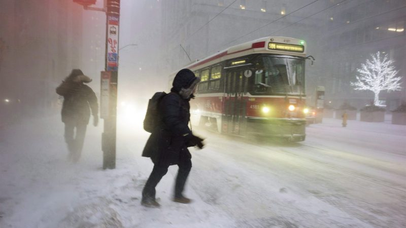 Пурга, метель... Настоящая зима в Большом Торонто на выходные