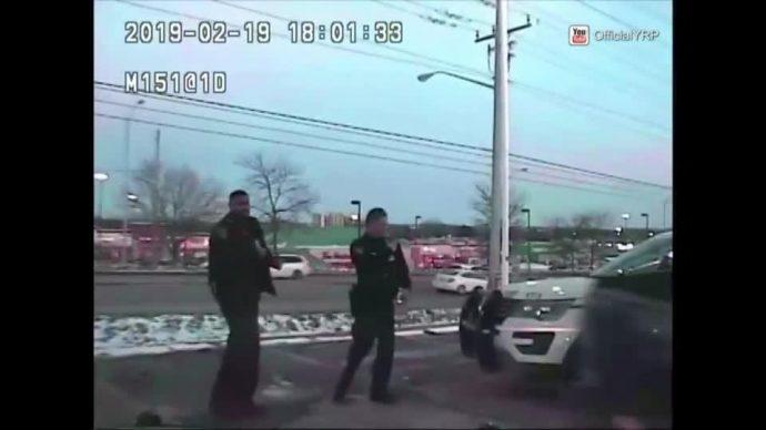Угонщик протаранил полицейскую машину