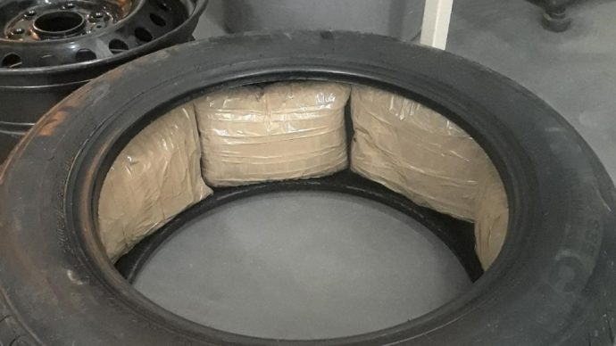Наркотики в шинах прибывших в Канаду авто из Мексики