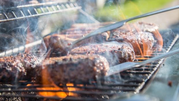 Полиция ищет похитителя мяса с частного барбекю