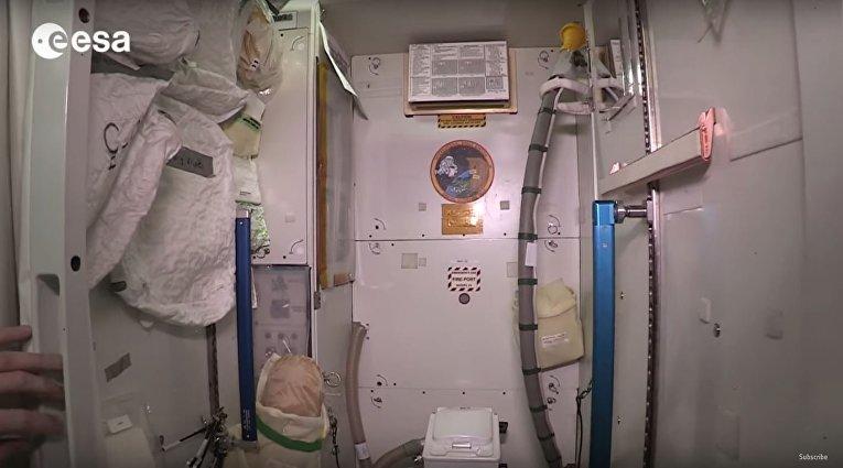Канадец отремонтировал космический туалет