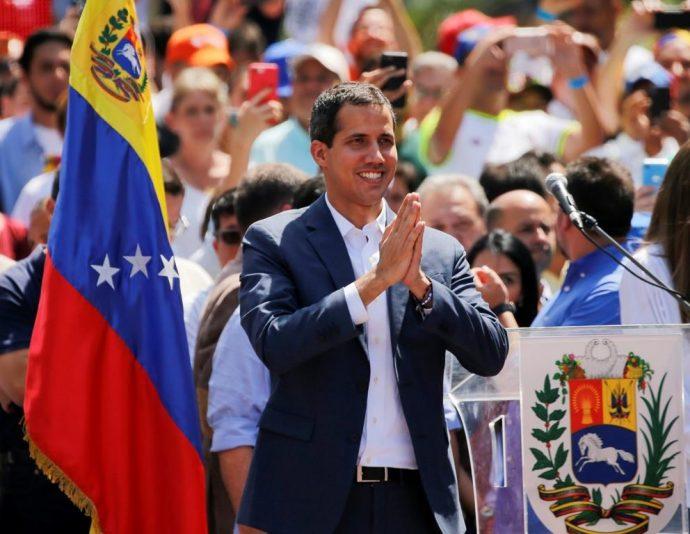 Премьер-министр Канады говорил по телефону с вр.и.о. президента Венесуэлы