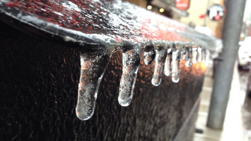 Потепление, ледяной дождь, ветер: все это в Большом Торонто