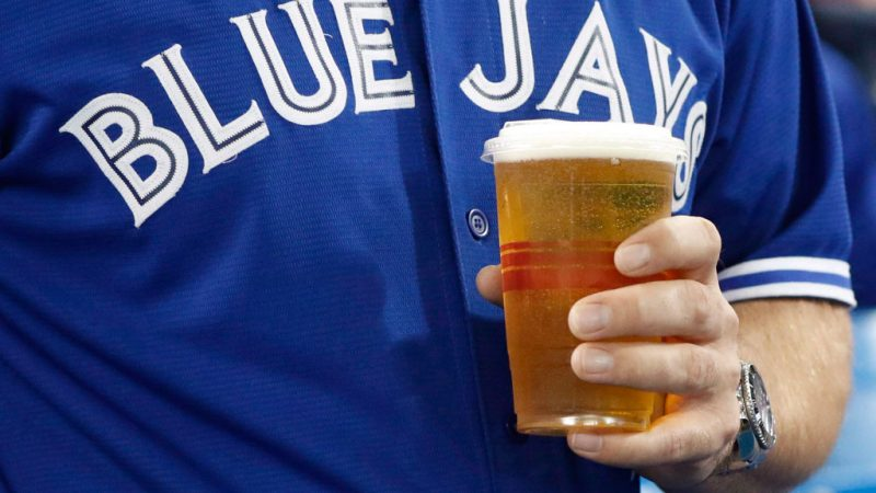 Сюрприз к открытию сезона: дешевые билеты и пиво на бейсболе
