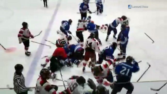 Юные индейцы устроили побоище на хоккейной площадке