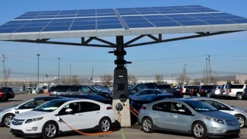 Канадцам положена субсидия на электромобиль. Кроме Tesla
