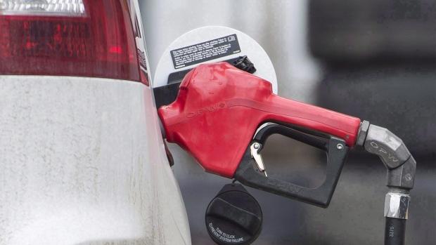 Топливо в четырех провинциях с 1 апреля подорожает на 10¢