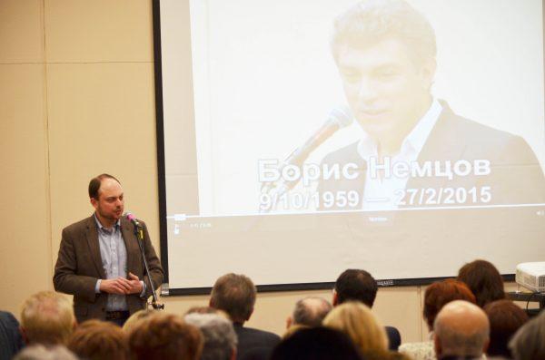 В Торонто побывал известный деятель оппозиции РФ Владимир Кара-Мурза