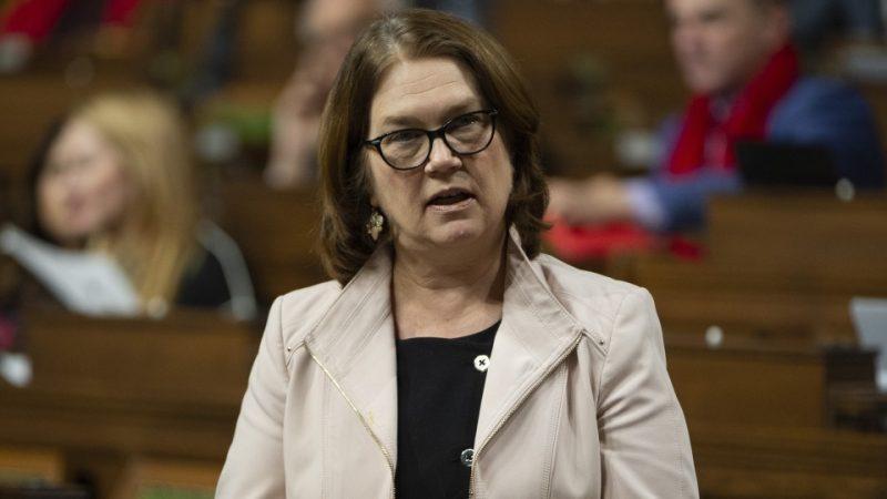 Скандал в канадском правительстве: уволилась президент Казначейства