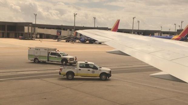 Самолет канадской Sunwing: вынужденная посадка в Нью-Орлеане