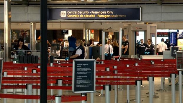 Ложная тревога по поводу бомбы в аэропорту Эдмонтона