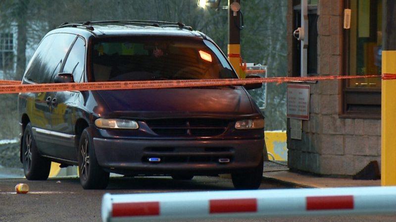 В машине на канадской границе обнаружили умершего