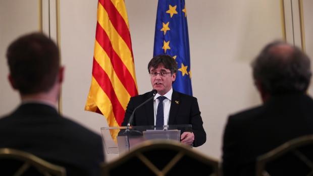 Президенту несостоявшейся республики Каталония отказали во въезде в Канаду