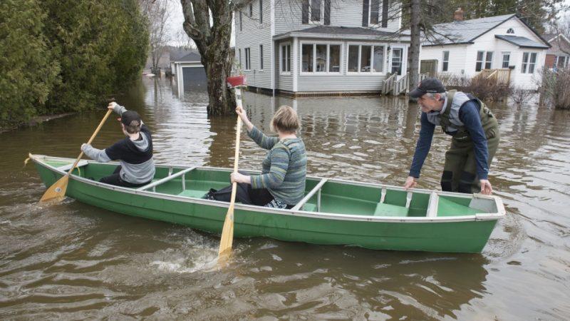 В Квебеке и Нью-Брансуике чрезвычайное положение