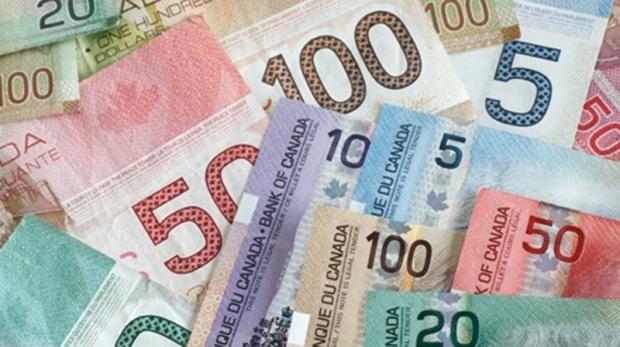 Филиппинцы переводят на родину денег больше чем другие канадские иммигранты