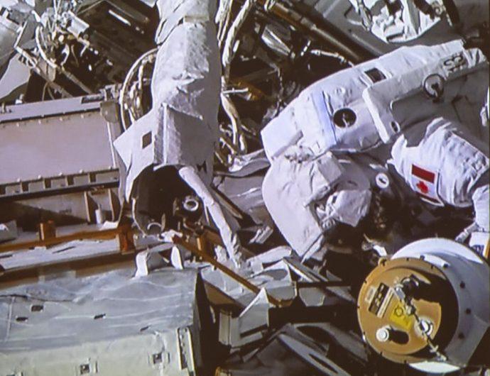 Канадский астронавт: «выход в космос— чистая радость»