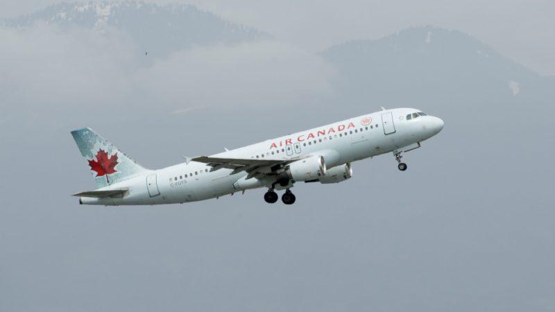 Сбой Air Canada продолжался несколько часов