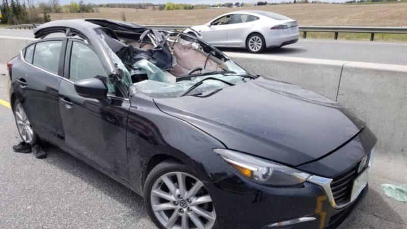 Колесо с грузовика стало причиной серьезной аварии