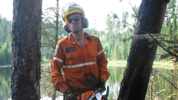 Пожарный-веган считает, что его права были нарушены